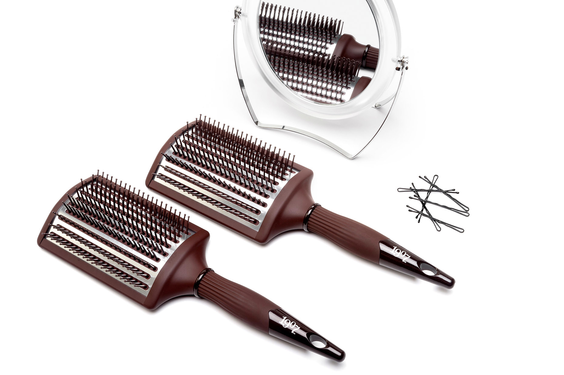 FROMM_1907_Beauty-Products_Metal-Brush_RHanelPhotography
